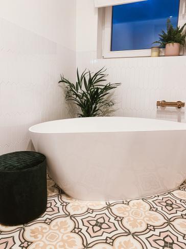 Cement tiles ref. no. 3371 | elegant bathroom (2)
